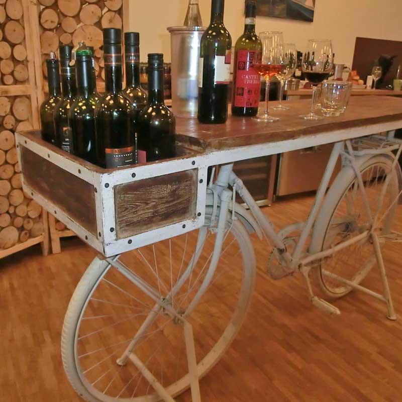 Weinprobe am Fahrrad